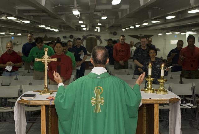 ritos-finais-celebracao-catolica.jpg