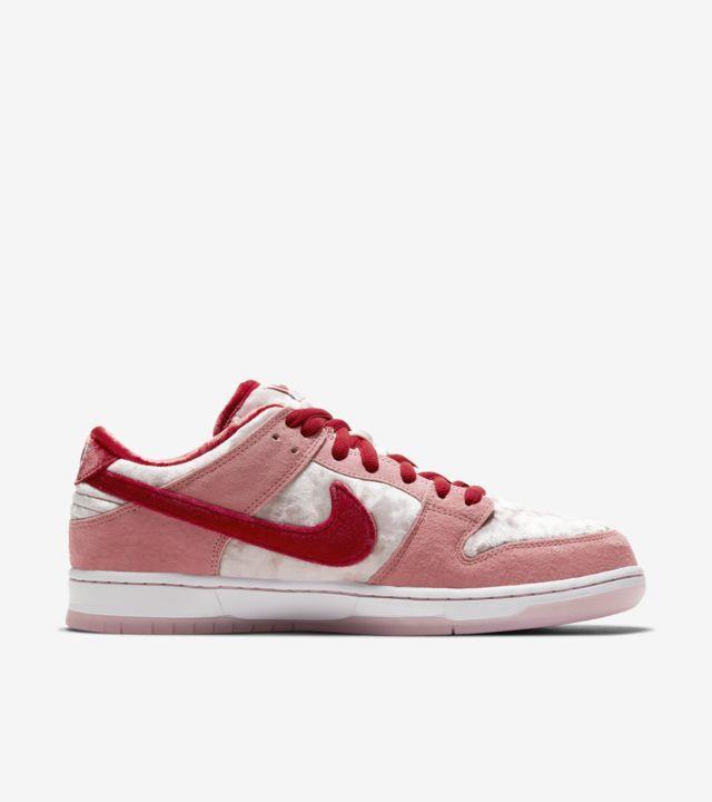"""StrangeLove x Nike SB Dunk Low"" รองเท้า Skateboards สุดหวานแหวว 02"