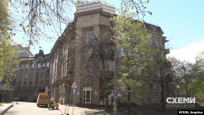 Щоранку протягом майже тижня журналісти помічали Ірину Венедіктову в самому центрі столиці – на вулиці Круглоуніверситетській