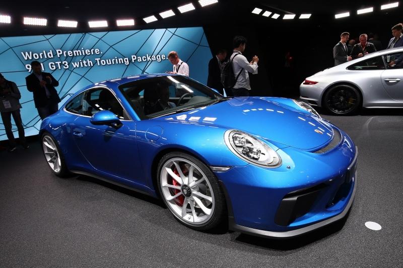Porsche_911_GT3_Touring_2017_zive_foto_01_800_600.jpg