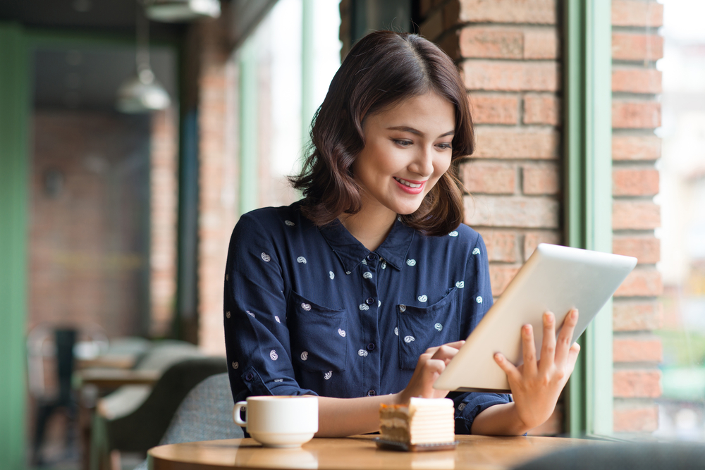 Integrasi aplikasi POS dengan e-commerce memudahkan kamu mengelola bisnis.
