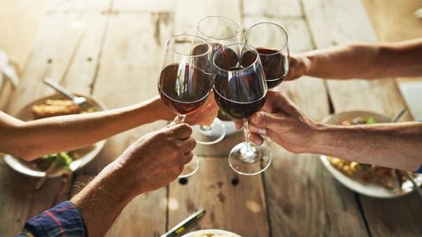 Uống rượu vang vào lúc nào thì tốt?