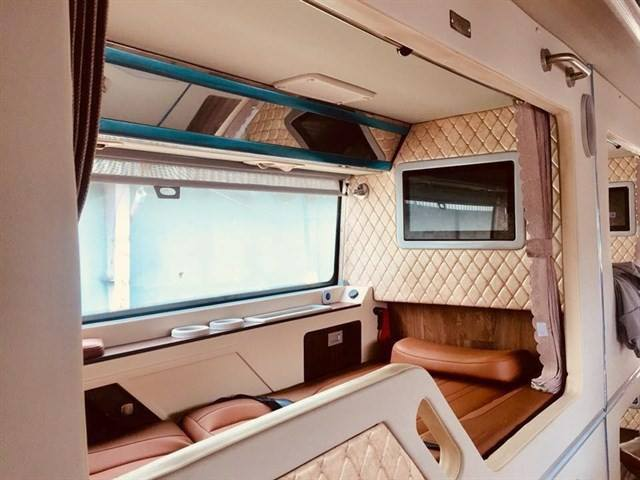 Xe giường nằm cao cấp limousine Cúc Tư