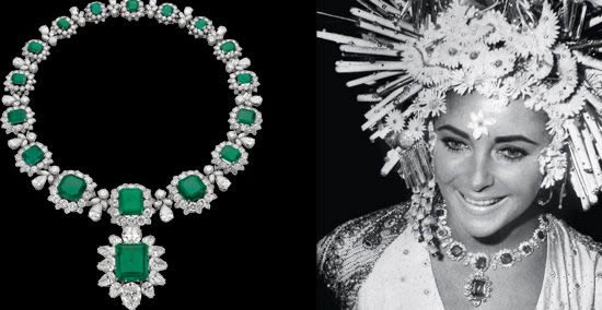Elizabeth Taylor i naszyjnik z kolekcji Bulgari Emerald Suite (zdjęcie)