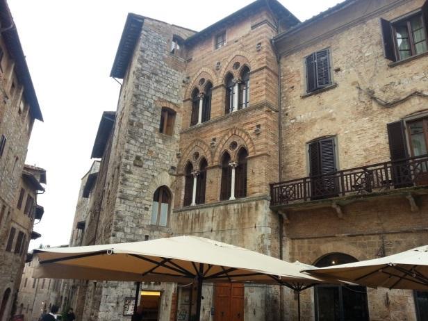 C:\Users\Gonzalo\Desktop\Documentos\Fotografías\La Toscana\Móvil\20161026_162916.jpg