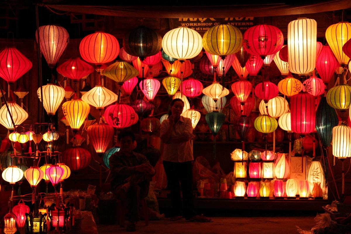 Lantern_Shop_in_Hội_An_(4251657582).jpg