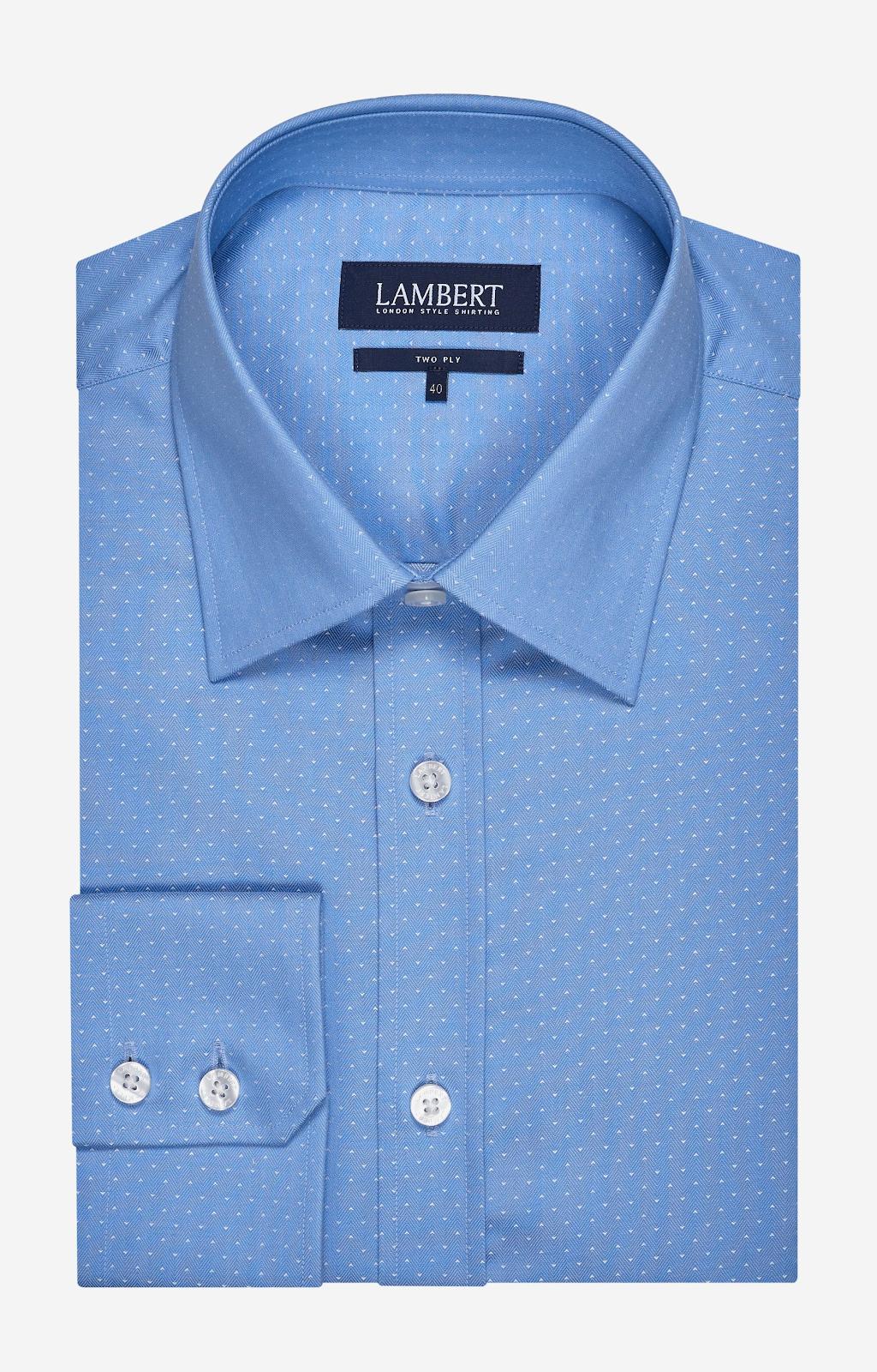 Błekitna koszula marki Lambert z delikatnym wzorem