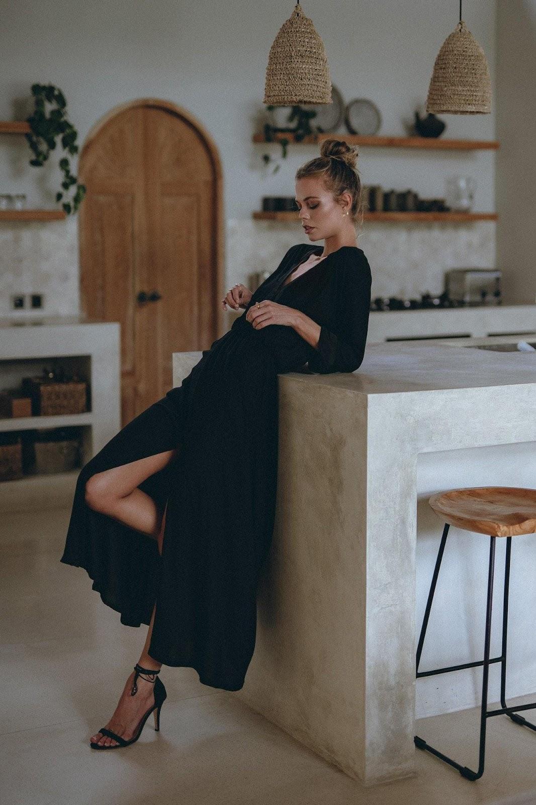 Elegant Maxi Dress in Black