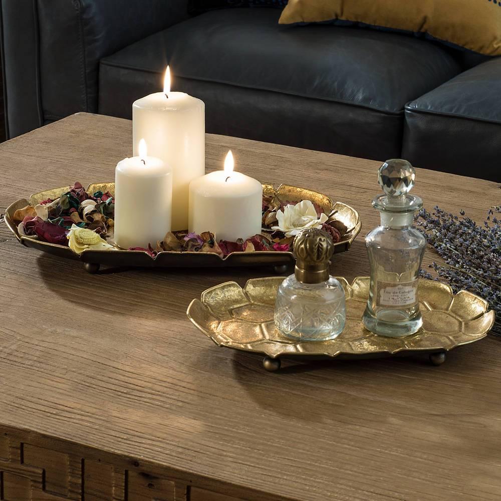 Decorative tray sebagai salah satu contoh dekorasi rumah yang fungsional - source: nookandcranny.com