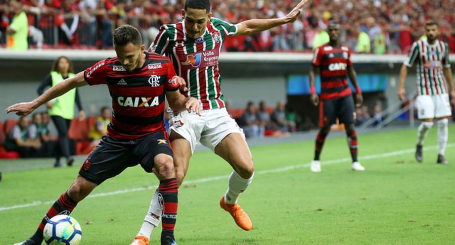C:\Users\Carla\Desktop\Blog MULHERES EM CAMPO\Brasileiro 2018\Fluminense x Grêmio Porto Alegre\Gilberto Foto de Lucas Merçon.jpg
