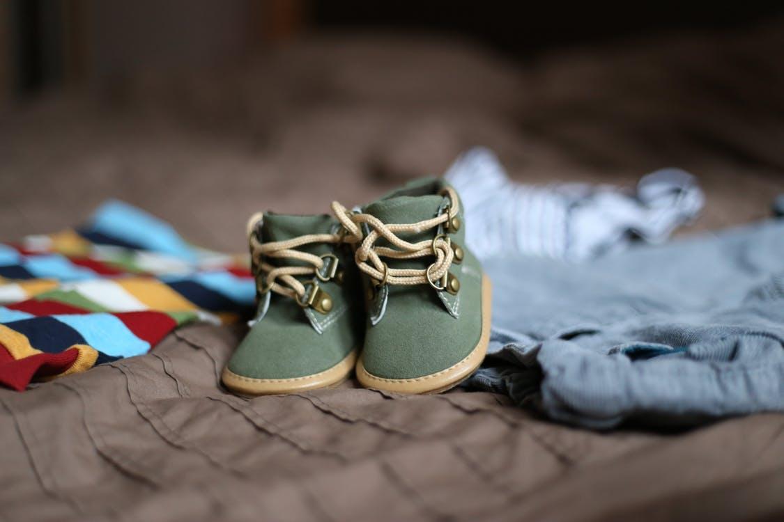 shoes-pregnancy-child-clothing-47220.jpg