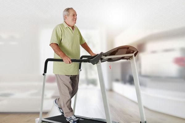 Đi bộ giảm mỡ bụng từ từ nhưng dễ thực hiện