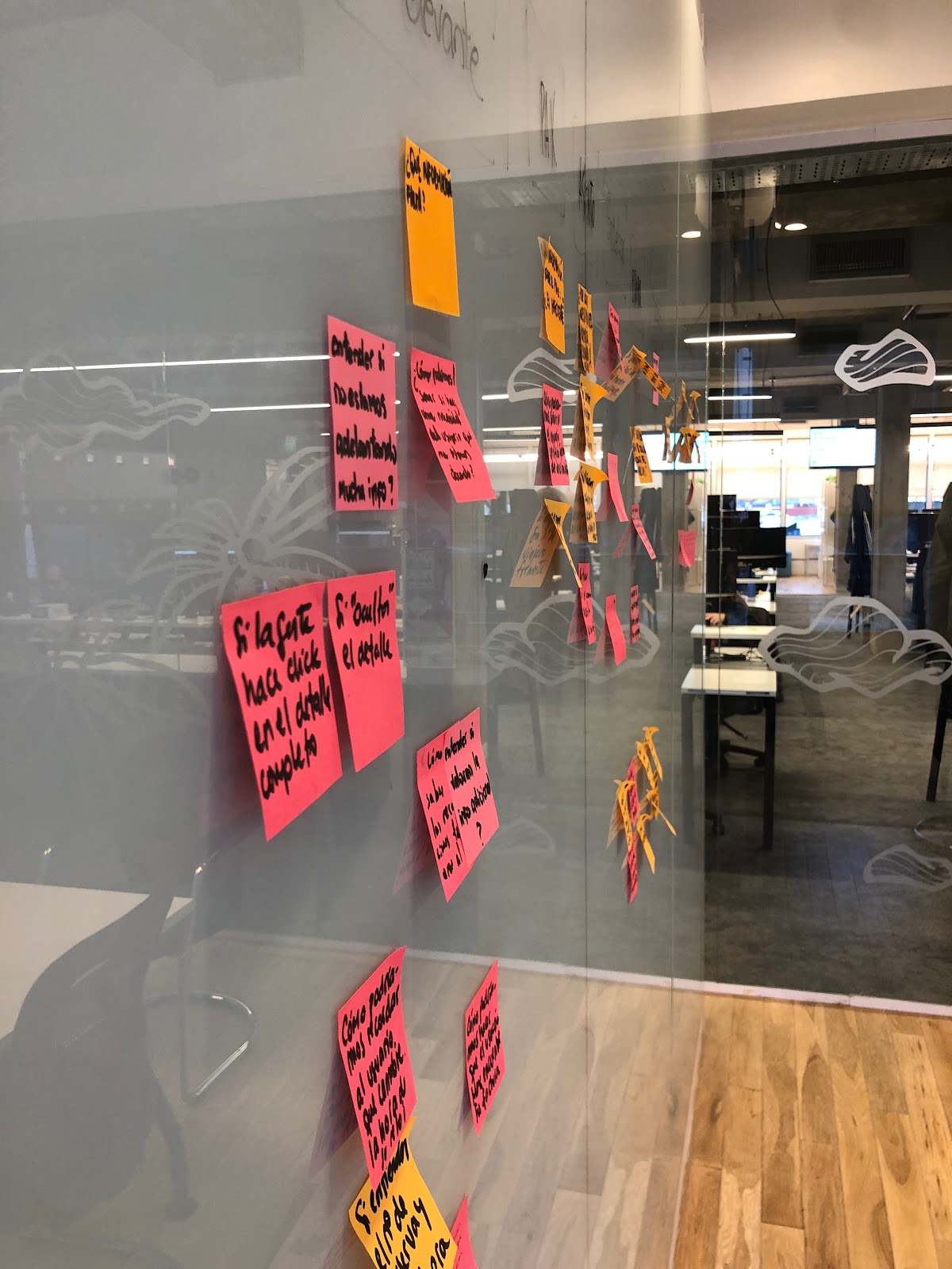 Post-it notes in a DDU meeting