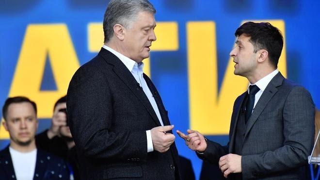 Під час виборчої кампанії команда Зеленського вимагала від Порошенка оприлюднити перелік його офшорних компаній, банків, у яких вони мають рахунки, а також фінансову звітність цих компаній