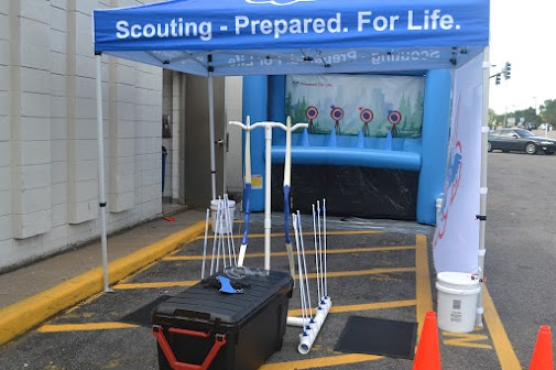 All set up, this is what the mobile archery range looks like, with the included equipment.