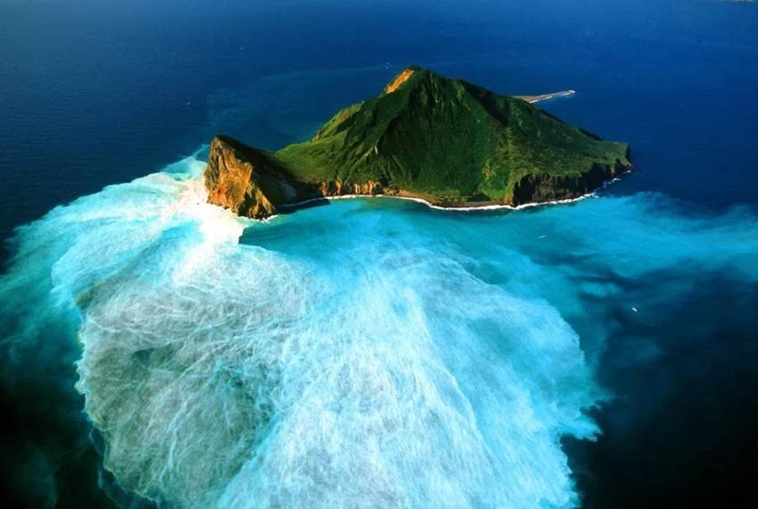 龜山島牛奶海