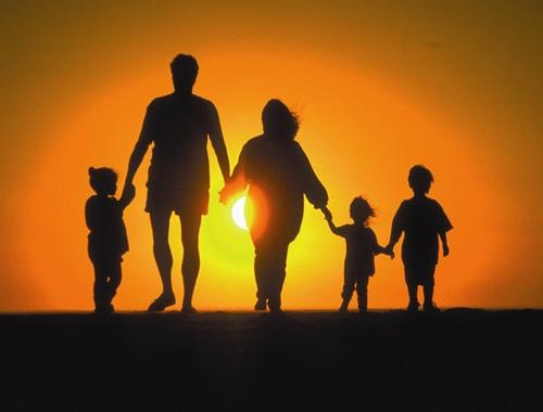 Tình yêu chính là khởi nguồn cho một gia đình hạnh phúc, vui vẻ, tràn ngập tiếng cười.