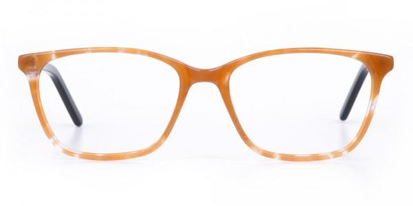 Rectangular tortoiseshell glasses
