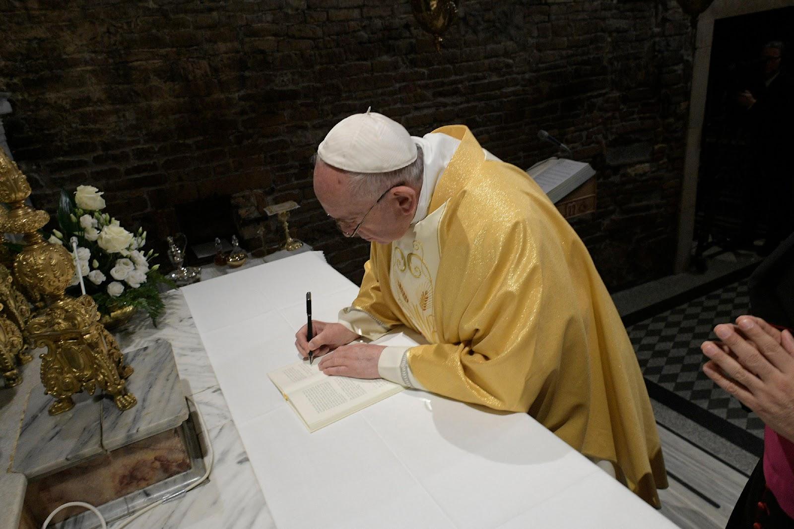 'Christus Vivit' — Văn kiện Hậu Thượng Hội đồng của Đức Thánh Cha Phanxico về Giới trẻ, phát hành ngày 2 tháng Tư, kỷ niệm ngày qua đời của Đức Giáo hoàng Gioan Phaolo II (Toàn văn)
