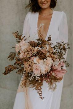 nude floral bouquet