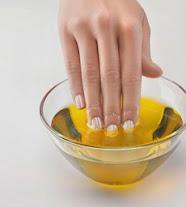 Olive Oil Penyelamat Ketika Rambut Berguguran