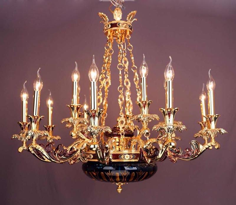 Treo đèn chùm trong nhà giúp hóa giải vận hạn một cách tốt nhất