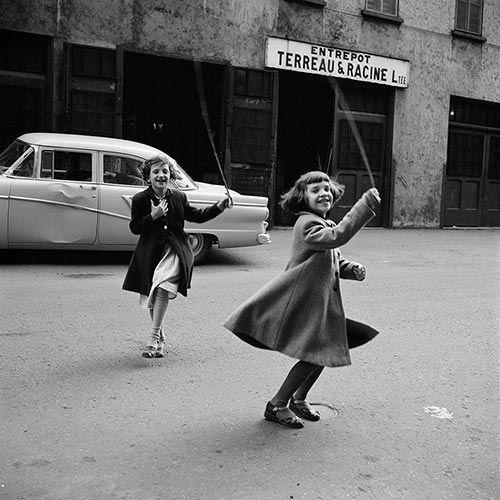 vivian-maier-1950-1960e280b2s-street-photography