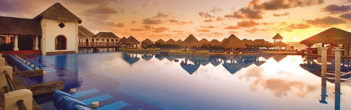 Exploring-The-Top-Resorts-In-Cancun