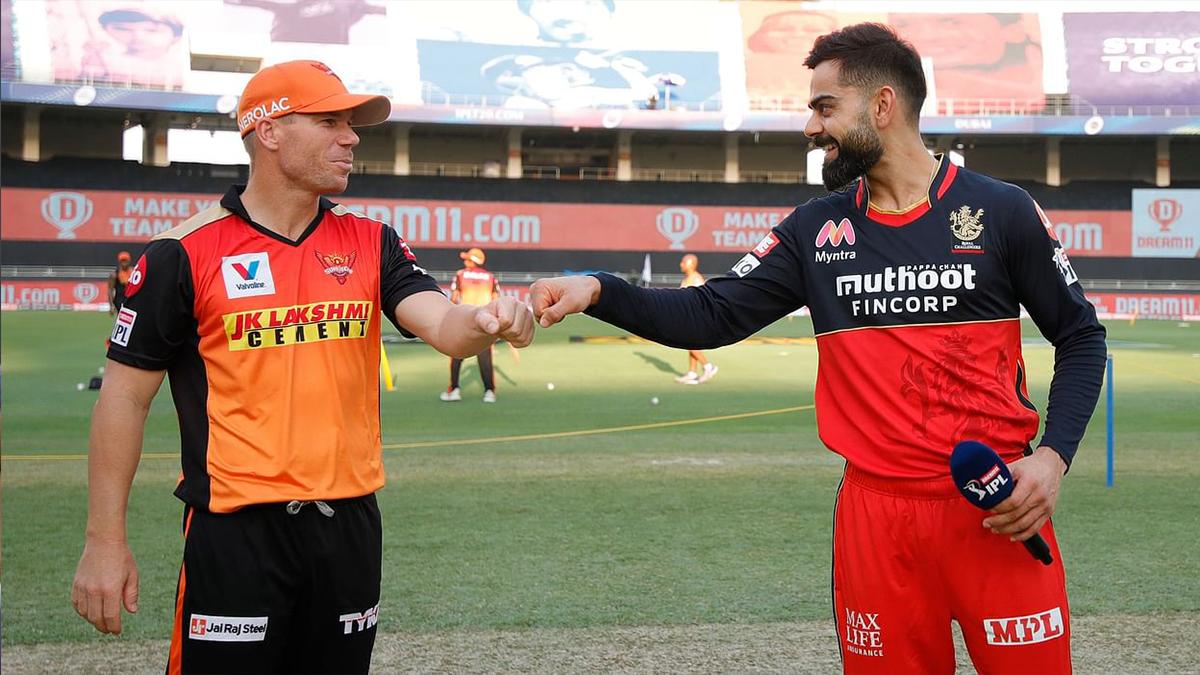 David Warner and Virat Kohli during the toss in IPL 2020