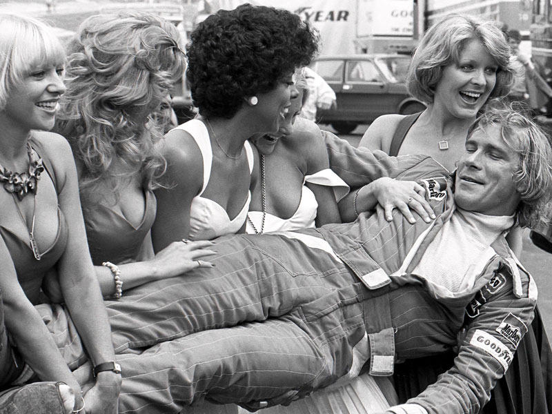James in the arms of the 1976 British Grand Prix grid girls. Source: James Hunt Foundation