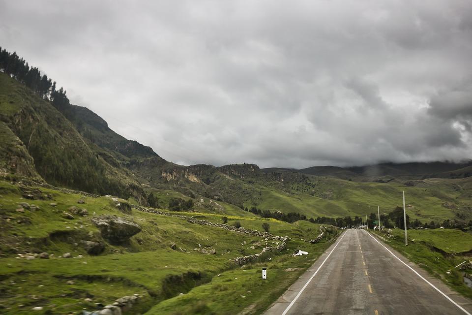 Viaje en carretera en bus de Oltursa por Ayacucho (Perú)