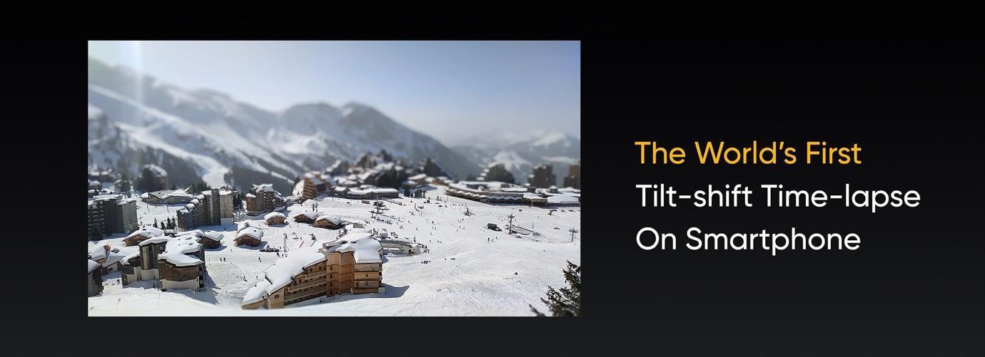 雪山的照片  描述已自动生成
