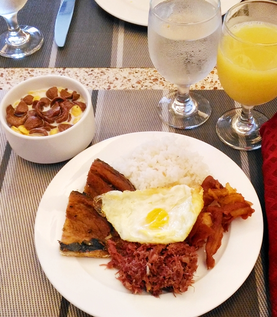 spice market buffet breakfast.jpg