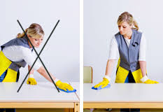 Arm hand belasting in de schoonmaak