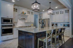 Clean and well lighted kitchen.