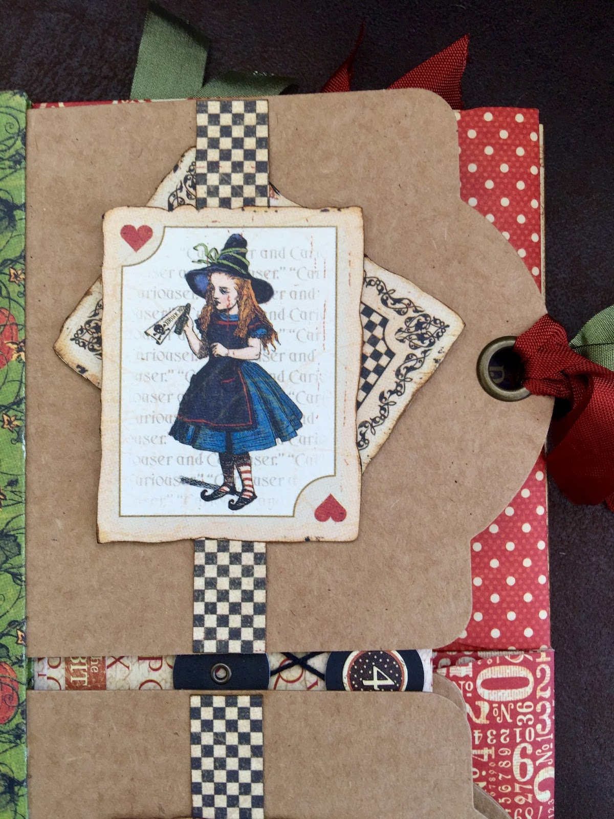 Tag&Pocket Album Halloween in Wonderland Tutorial  by Marina Blaukitchen Product by Graphic 45 photo 10.jpg