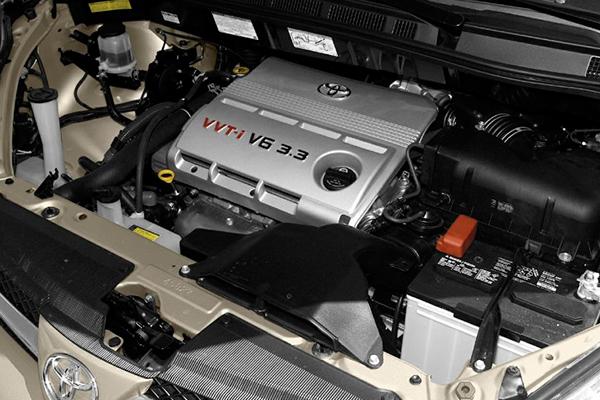 engine-of-Toyota-Sienna-2004