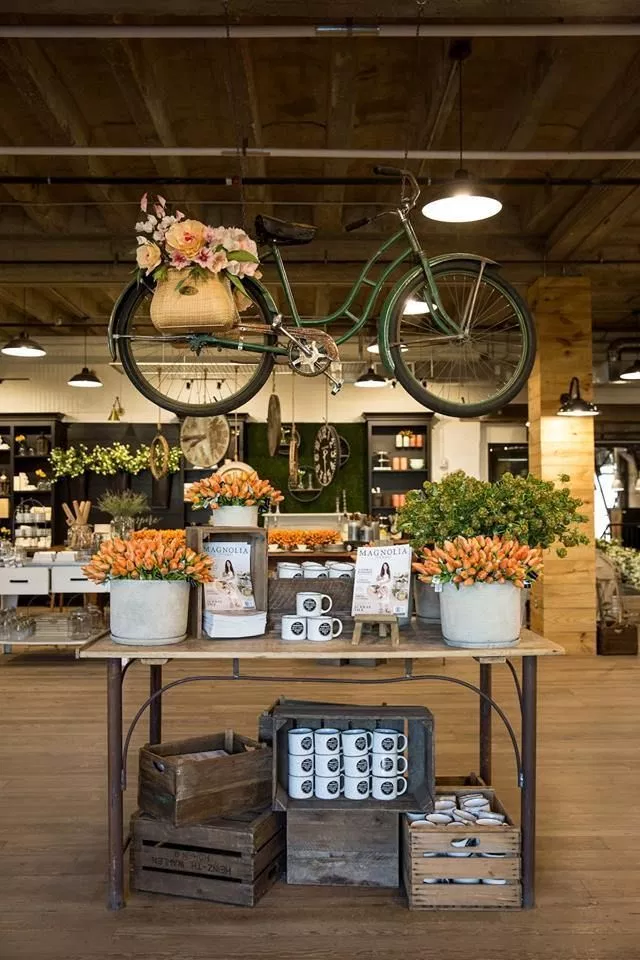 hanging bicycle DIY Retail Display Ideas