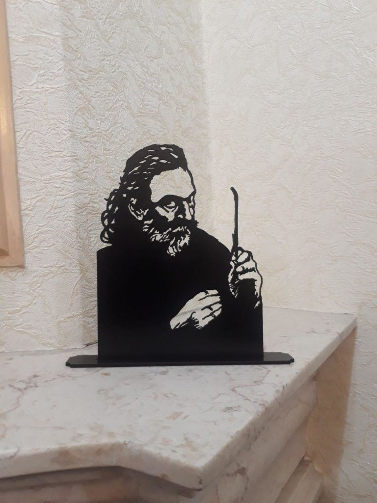 استند رومیزی مشاهیر هنر پرویز مشکاتیان