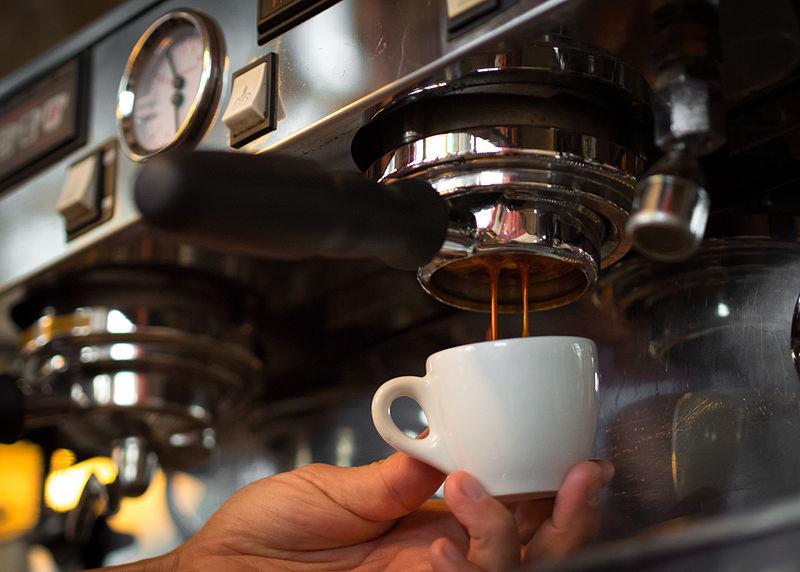 pha-ca-phe-espresso-bang-may.jpg