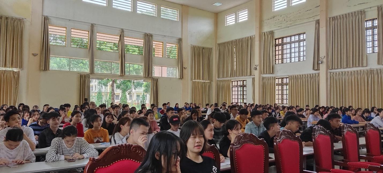 """Phân hiệu Đại học Thái Nguyên tại tỉnh Lào Cai tổ chức """" Tuần sinh công dân – HSSV"""" đợt 3 cho tân sinh viên năm học 2020-2021"""