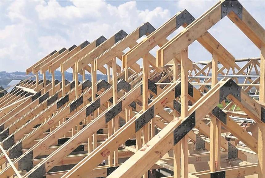 Hệ thống kèo đồ sộ của mái ngói làm gia tăng chi phí xây dựng