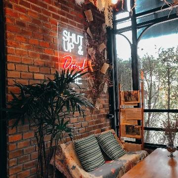 5. Boost up café x co-working space 02