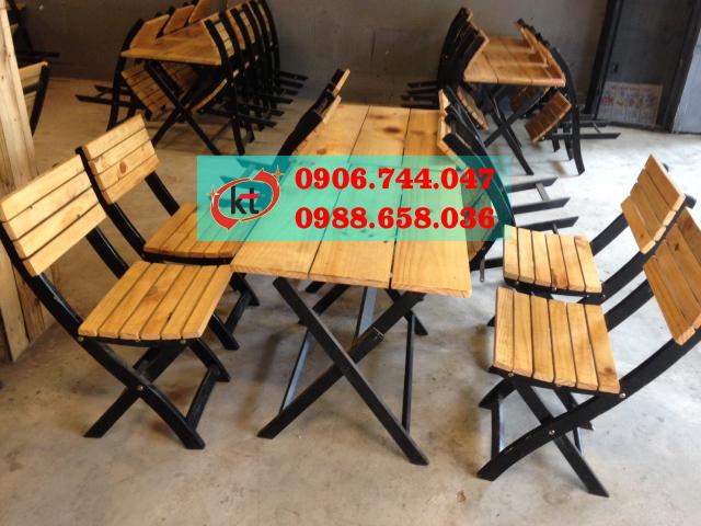 Ghế cafe gỗ chân sắt xếp.jpg