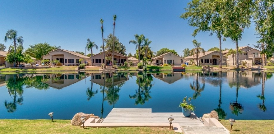 Waterfront homes in Chandler, Arizona