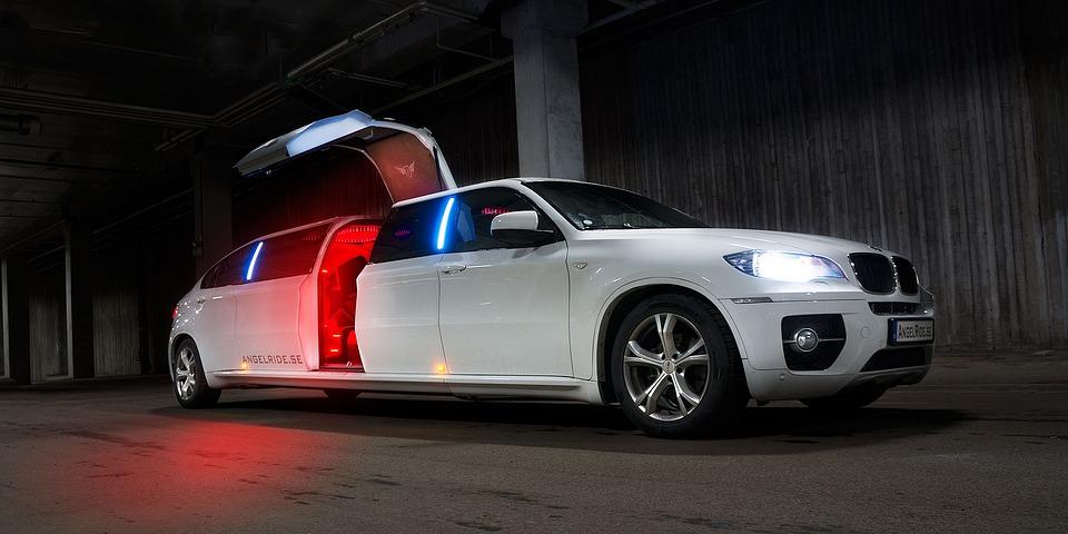 limousine-1249507_960_720.jpg