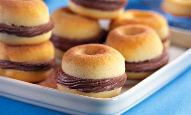 Donuts de chocolate: alegria das crianças e dos adultos