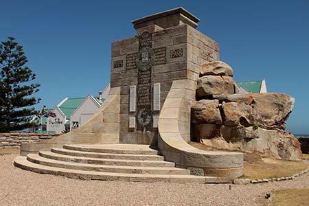 WW2 war memorial