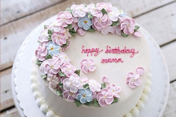 Các bạn có thể tham khảo giá bánh sinh nhật mẹ qua việc tìm kiếm thông tin trên mạng