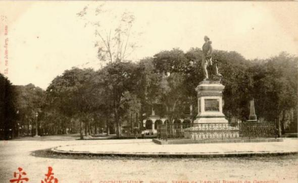 http://maivantran.files.wordpress.com/2011/09/saigon_statue_amiral_rigault1.jpg?w=590&h=363